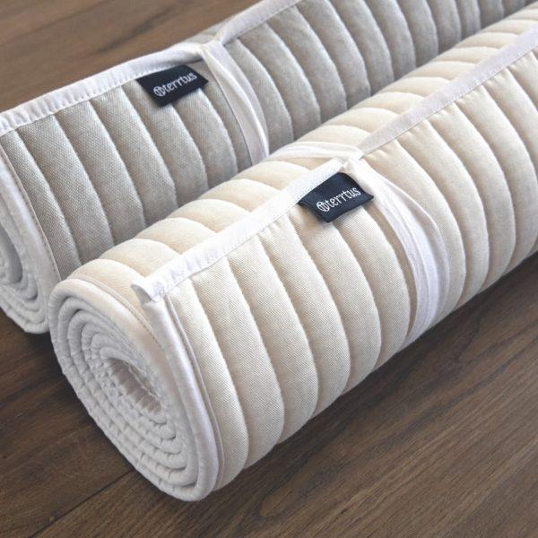 Natürliche Yogamatte aus Baumwolle mit Grip